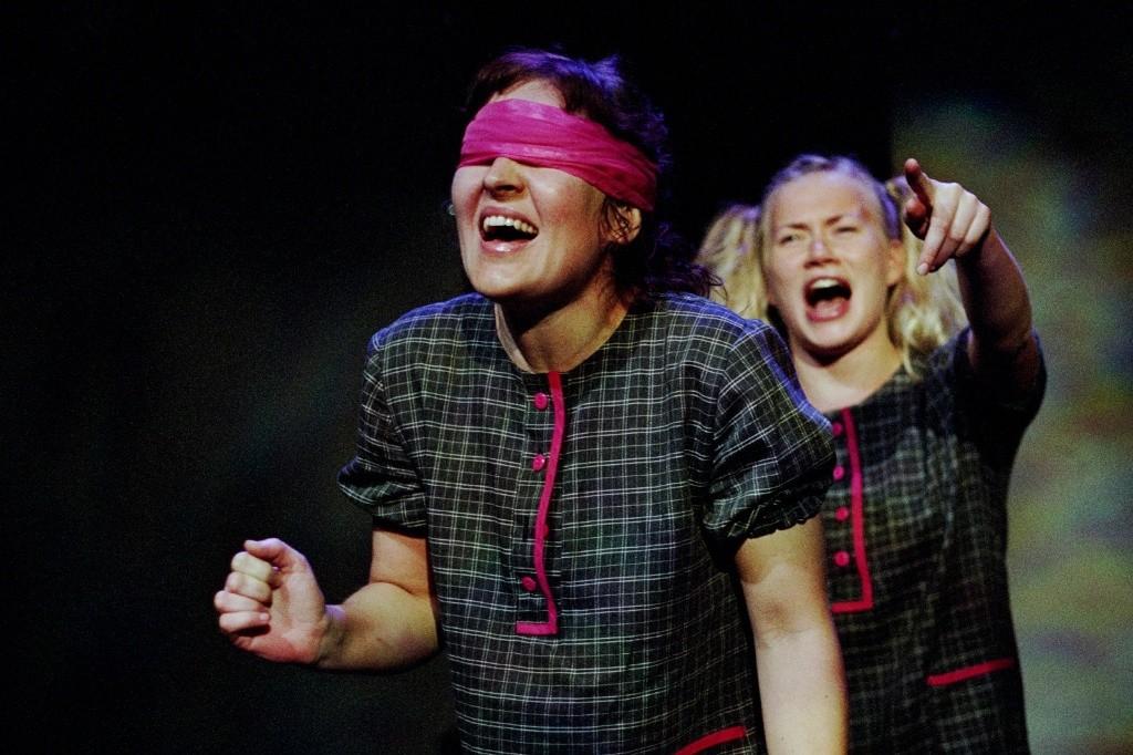 Teatteri Siperia: Valhetta ja vedätyksiä, Lighting Design Eero Auvinen, Photo Timo Teravainen