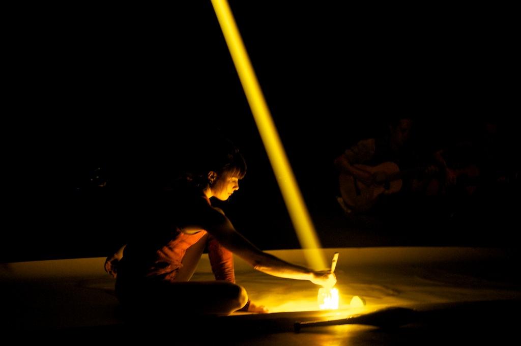 Sirkus Aikamoinen: Aisti, Lighting Design: Eero Auvinen